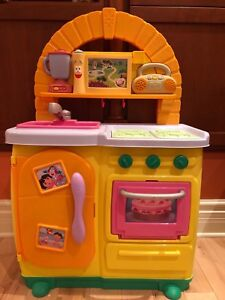 Dora Kitchen Play Set With Fake Food! 25$ for everything!