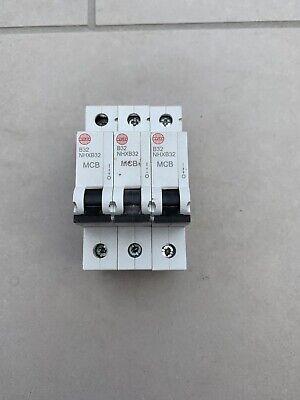 Base~ WYLEX 32A Type B Push//Plug-In Circuit Breaker ~B32 32 Amp MCB ~Inc