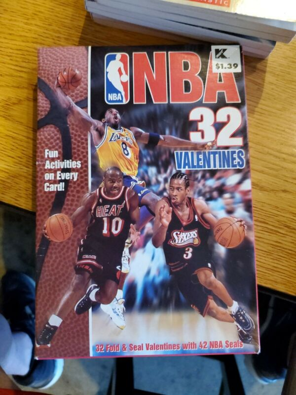 NBA Valentines Day 32 Cards-Kobe Bryant,Shaq,Scottie Pippen.  From 1999