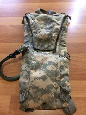 28fde54c7e2 Hydration Packs - Camelbak Military - 2 - Trainers4Me