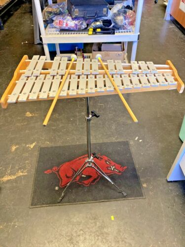 Pearl Gig Bag With 30-key Xylophone And Stand With Percussion Book