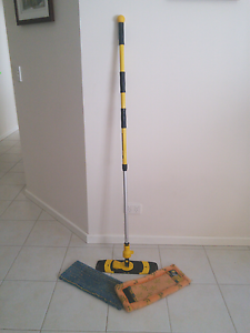 Enjo Wet And dry mop Port Kennedy Rockingham Area Preview