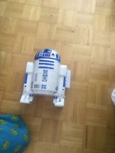 R2-D2 action figure case and figures