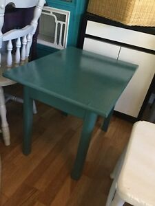 Jade single side table - 1 available