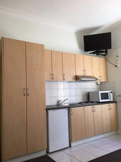 NORTH MELBOURNE FULLY FURNISHED STUDIO APARTMENT FOR RENT