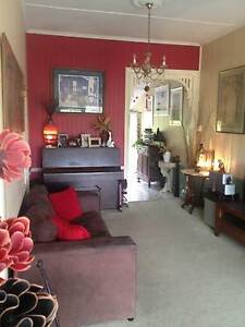 1 FEMALE TO 'ROOMSHARE' WITH ANOTHER GIRL $125 includes all bills Woolloongabba Brisbane South West Preview