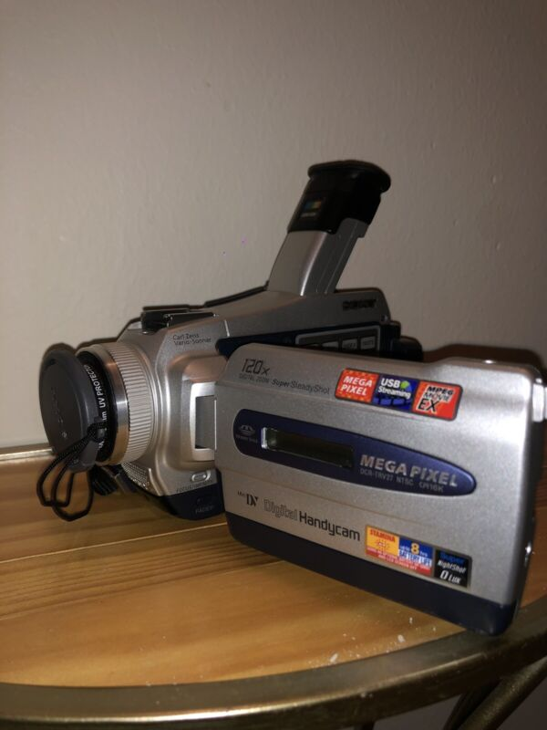 sony dcr-trv27 camcorder Mint Condition