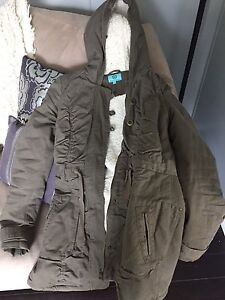 XS winter jacket & brand name jeans (0-00)