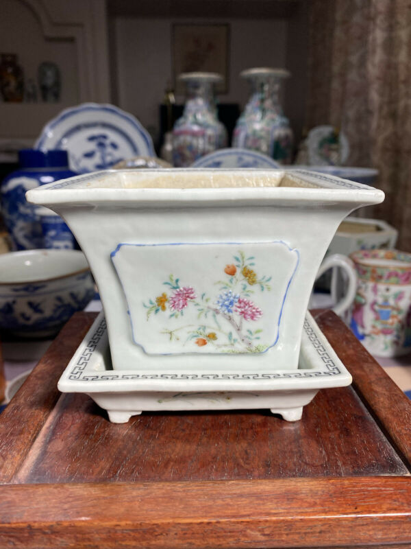Antique Chinese Famille Rose jardiniere Porcelain Planter Pot