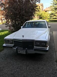 1985 CADILLAC 4 DOOR SEDAN FLEETWOOD BROUGHAM