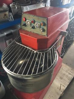 25kg Atlas spiral dough mixer  pizza shop cafe bakery HALF PRICE