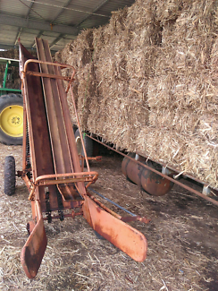 New Holland bale loader