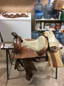 "15"" saddle, bridle and saddle blanket"