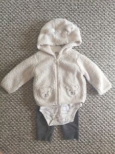 Carter's Baby set, 9months old