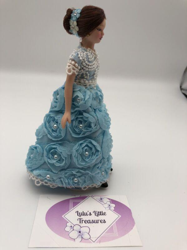 Miniature Victorian Porcelain Dolls  1:12