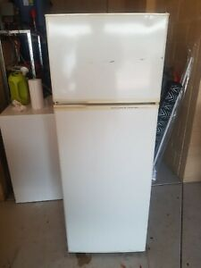 Kelvinator Fridge 220L