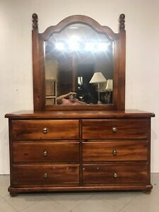 Good quality solid wooden dresser with 6 drawer metal runner & mirror