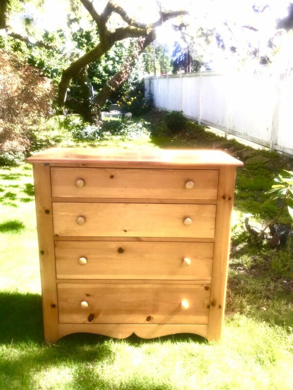 Pine chest Tom Steely  4 Drawer