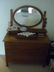 dressing table Modbury North Tea Tree Gully Area Preview