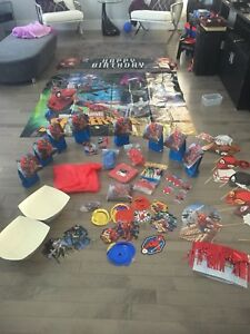 Spider-Man Birthday Party Decorations, Table Set & 8 Gift Bags