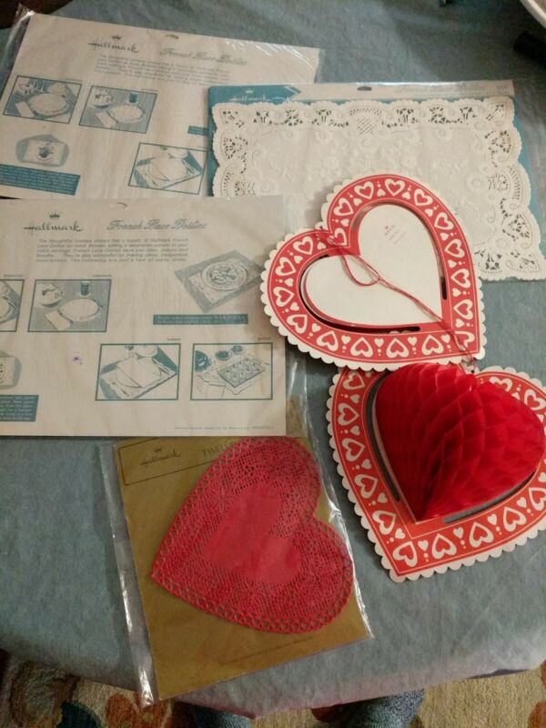 6 Vtg NOS Valentines Day Paper Decorations Hallmark Lace Doilies Honeycomb Heart