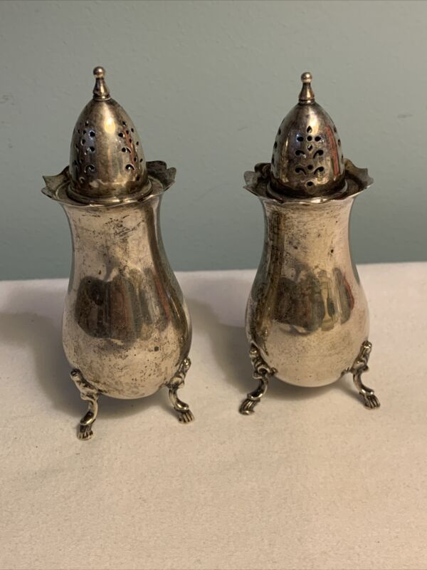 VTG Wallace GRAND COLONIAL Sterling Silver FOOTED SALT and PEPPER Shakers 4821