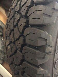 285/75R16 Kelly edge at tires