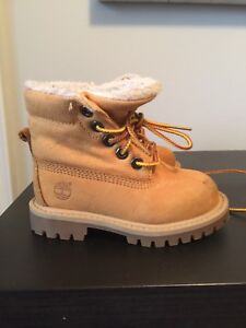 Toddler Timberland Size 6 boots!