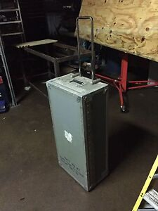 Custom heavy duty road case with wheels and retractable handle