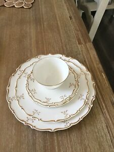Royal Doulton China -  MONTEIGNE pattern