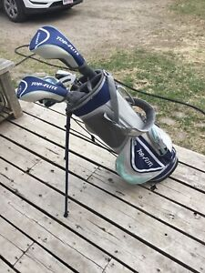 Complete set of Top Flight golf clubs