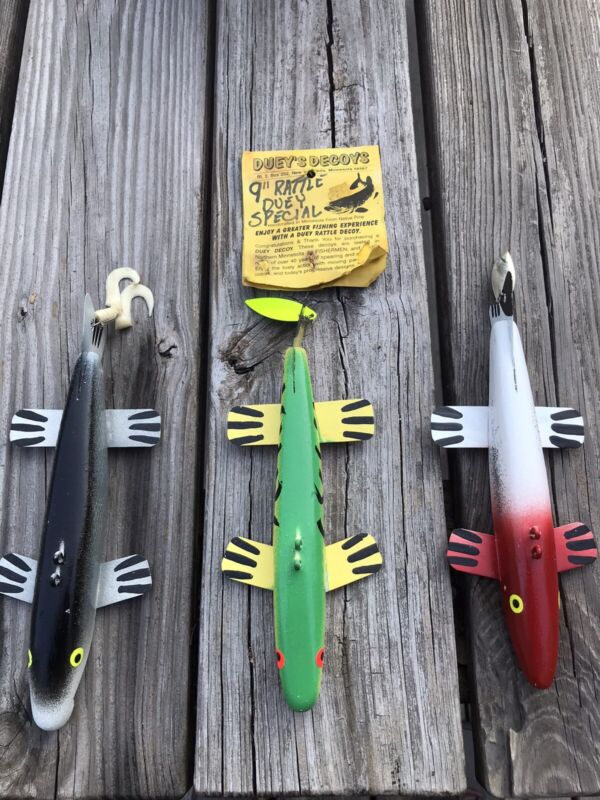 """1 Duey's Decoys 9"""" Rattle Duey Special  Green Yellow Black w/ Red Belly"""