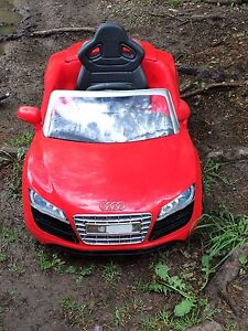 Children's red Audi ride on toy car