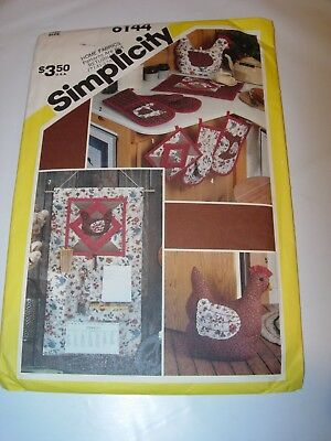 CRAFTS UNCUT SIMPLICITY Sewing Pattern 6144 CHICKEN ROOSTER TEA COZY OVEN MITT