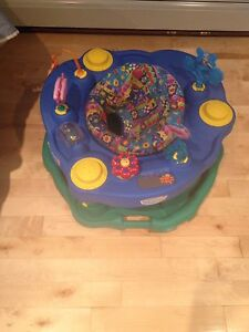 Baby exersaucer! Great condition