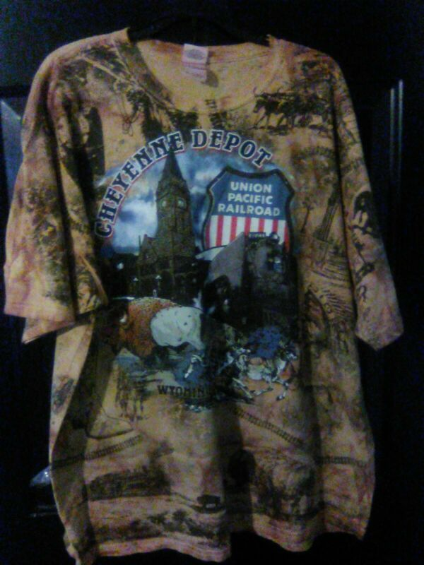 Cheyenne Wyoming Depot Union Pacific Railroad All-over t-shirt sz 2 XL