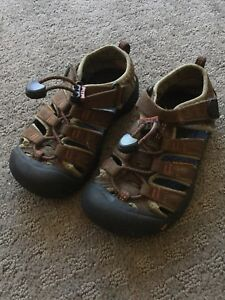 Toddler preschooler kids keens sandals size 11