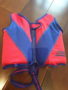 Zoggs swim vest 2-4 years