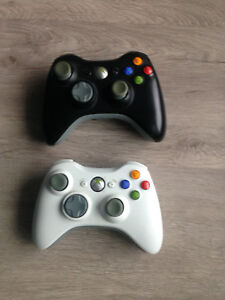 2 manettes/controllers XBox 360  15$ chq