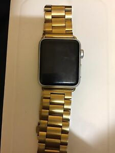 Apple Watch (gold watch band)