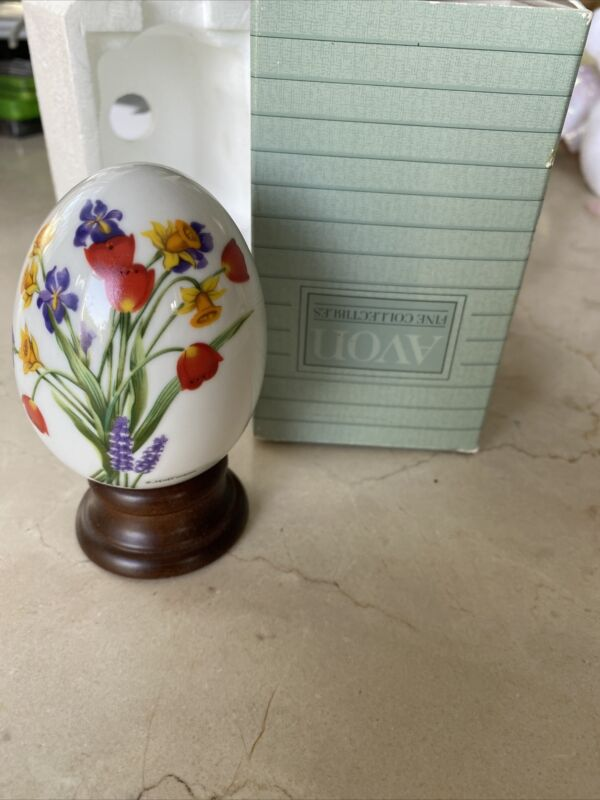"""Vintage Avon 1988 Gifts of Nature Porcelain Egg Collection """"Springs Brilliance"""""""