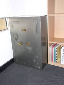 USED OFFICE SAFE