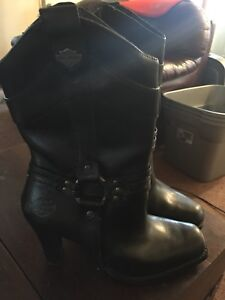 Womens Harley Davidson leather motorcycle boots