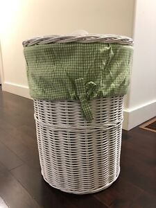 White Wicker Hamper with Lid