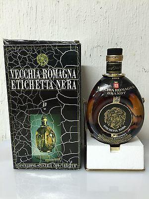 Brandy  Vecchia Romagna bottiglia con