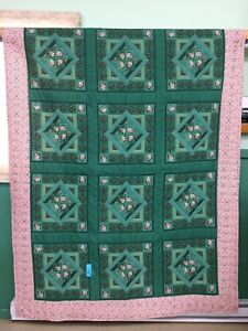 Hand quilted twin size quilt for sale