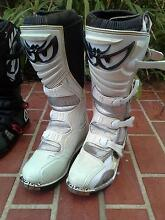 Motocross Boots Altona Meadows Hobsons Bay Area Preview