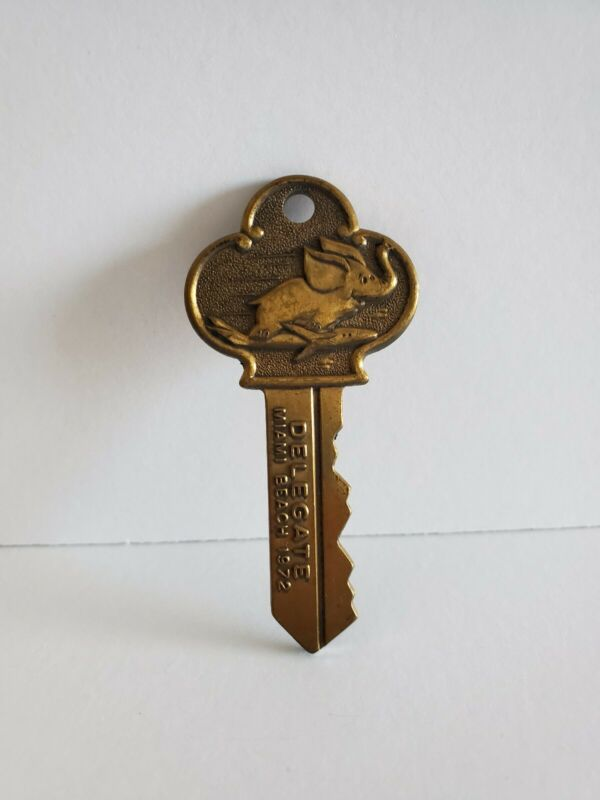Vintage 1972 Republican Convention Flying Elephant Club Brass Key Miami Souvenir