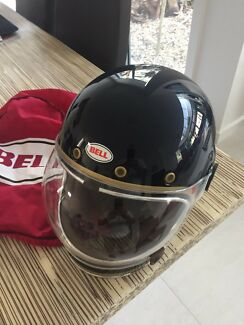 Motorbike full face helmet.    medium