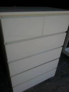 WHITE IKEA CHEST OF 6 DRAWERS ON METAL RUNNERS